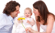 Chi sono i genitori iper protettivi e perché sbagliano