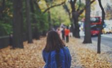 Mia figlia è esclusa dal gruppo di amiche. 5 consigli per aiutarla