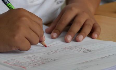 La tecnica per insegnare a tuo figlio a studiare correttamente e essere capace di ripetere ad alta voce